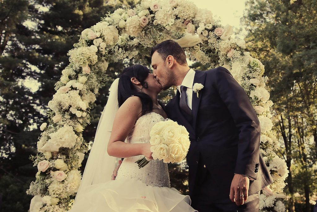Matrimonio religioso in giardino serena obert - Matrimonio in giardino ...